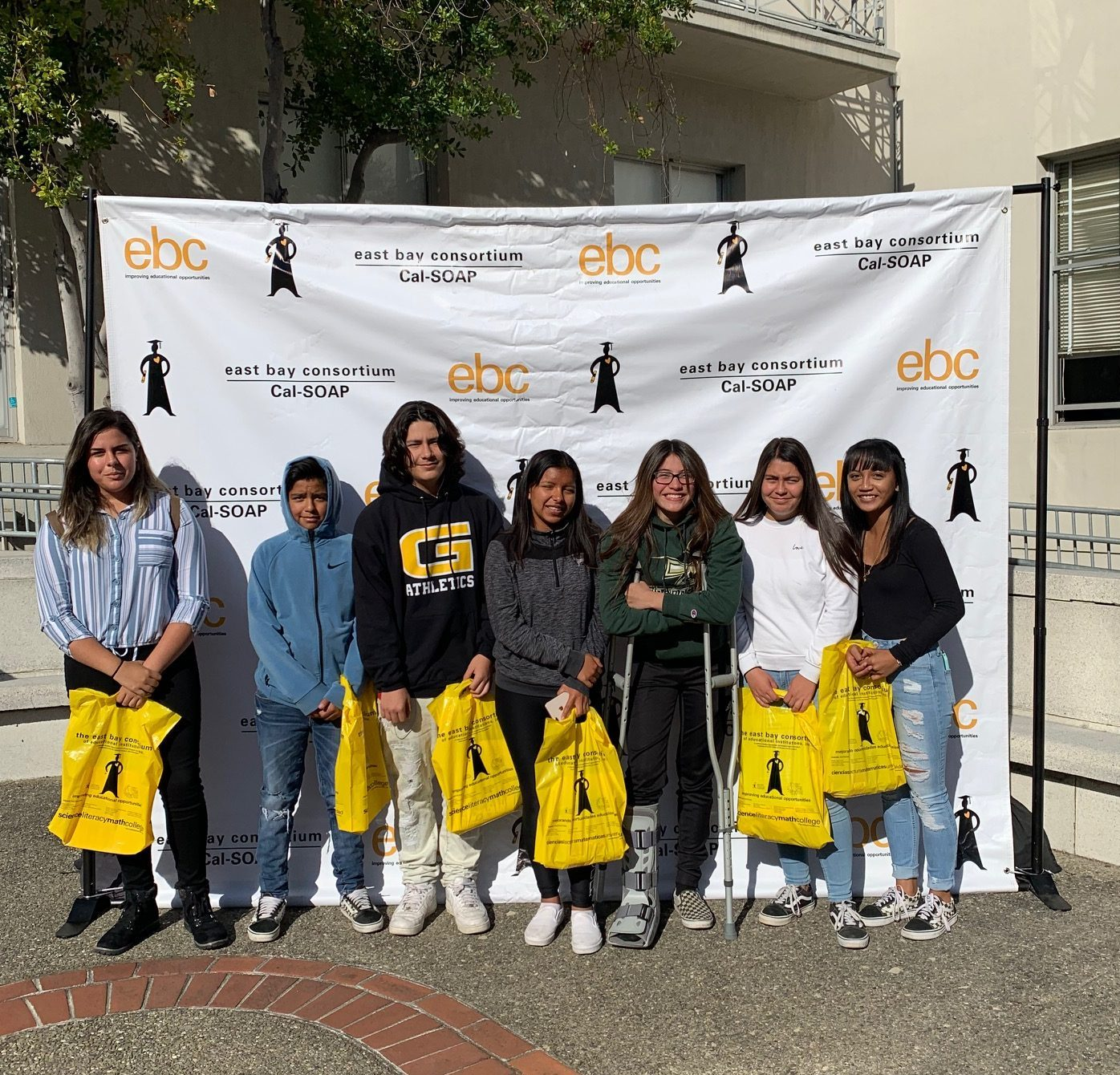 Pedrozzi Young Scholars – Ninth Graders Visit UC Berkeley for College Day